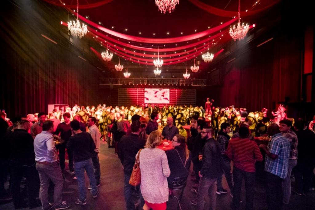 Year end party không chỉ mang ý nghĩa tổng kết mà còn tạo động lực để phấn đấu